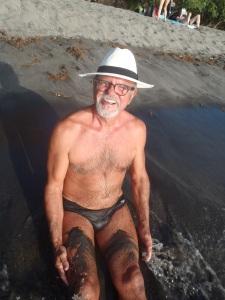 Plage de sable volcanique noir, Saint Pierre, Martinique